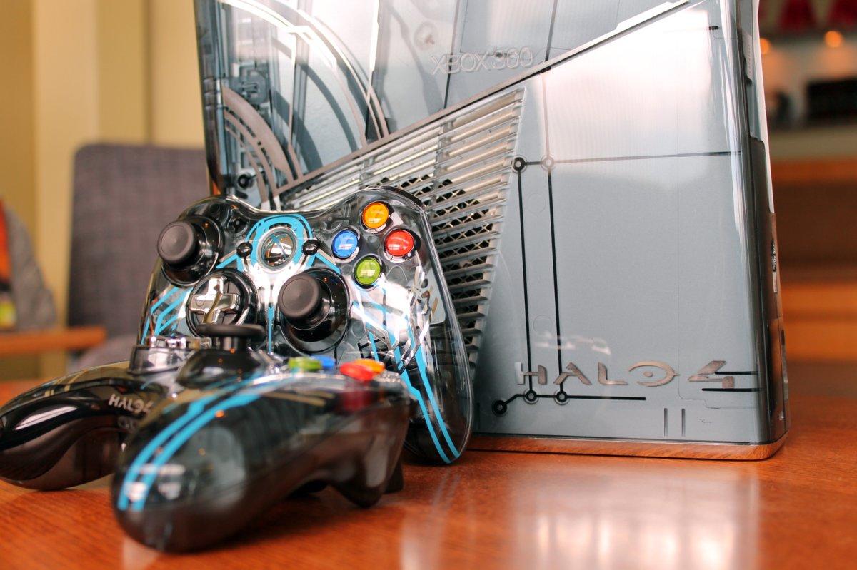 Xbox 360 Slim 343 Releases New Pics ...